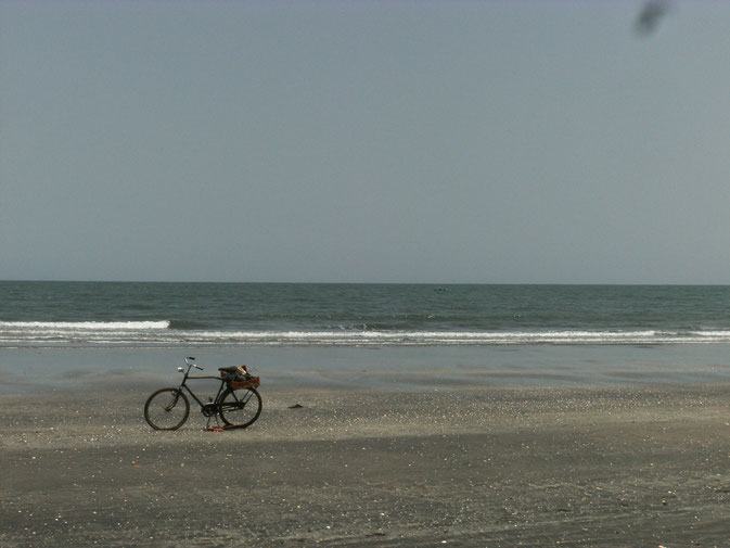 """Strand an der """"Smiling Coast"""" in Gambia"""