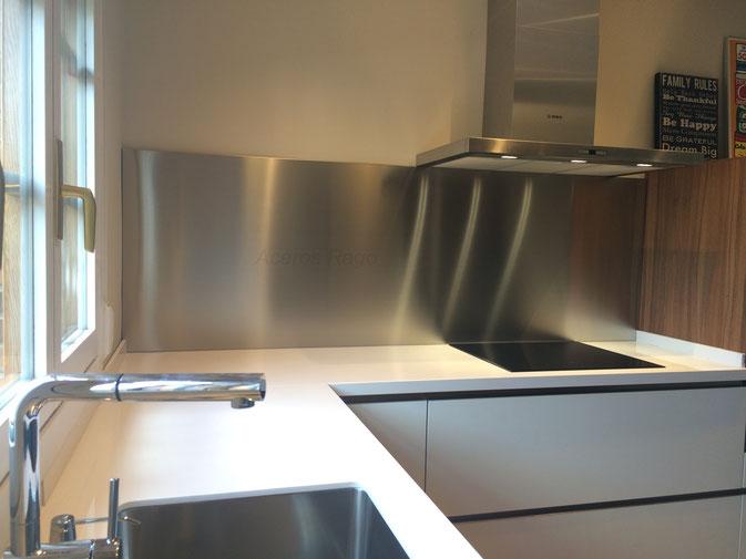Trasera de acero inoxidable, salpicadero de acero inoxidable, zona de coccion de acero inoxidable para la cocina