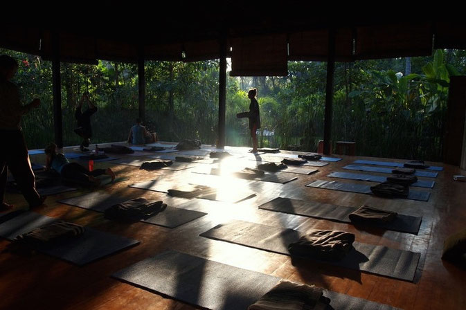 Bloggers Reveal Their Best Yoga Retreats © Iris from The sea is my cup of tea  @Mafambani