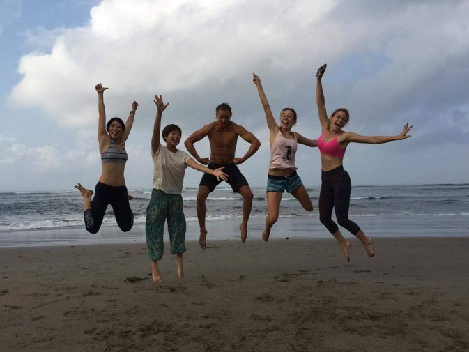 Yoga Canggu Beach - Yoga Teacher Training In Canggu, Bali Week 1 & 2 © Andrea Modica @Mafambani