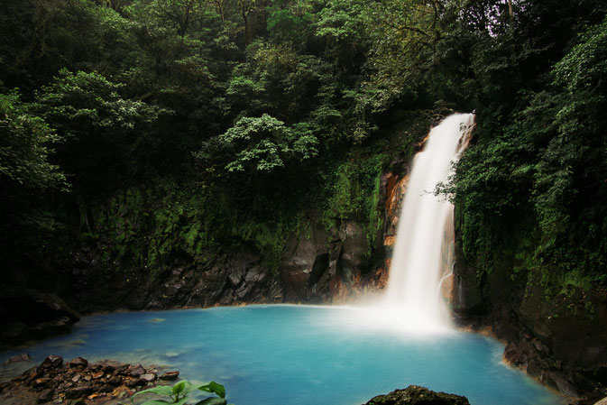 Rio Celeste waterfall, Costa Rica - How To Plan The Perfect Road Trip In Costa Rica With Your Parents © Nussbaumer Photography @Mafambani @nussbaumerphoto