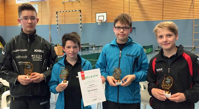 Die zweitbeste Schülermannschaft NRWs: Felix, Luca, Bastian und Robin.