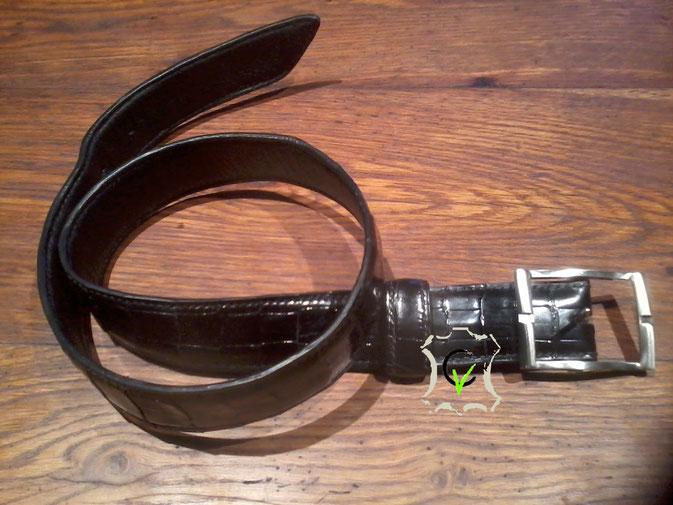 ceinture en crocodile doublé cousu main boucle double de chez Poursinlargeur 40 mm