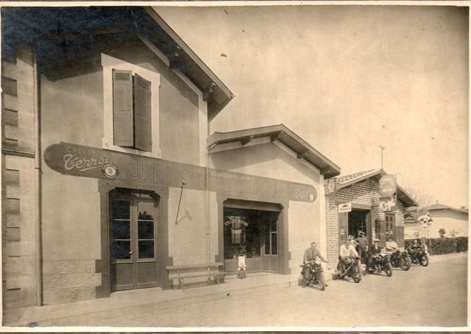 La boutique Souleyreau dans le bourg de Béliet.