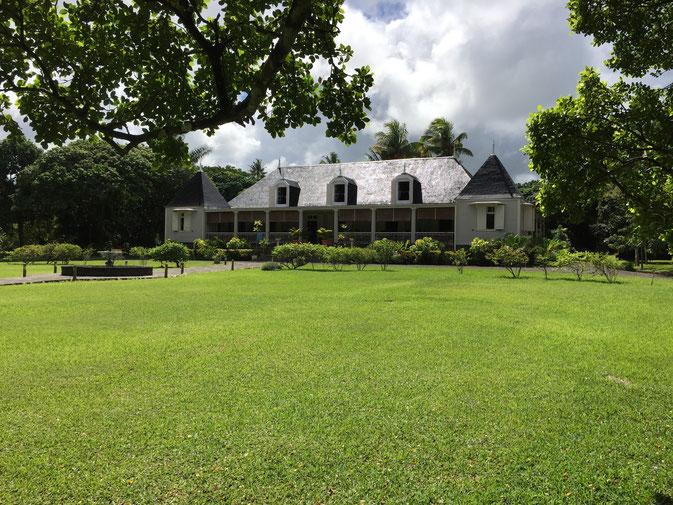 Le RESTAURANT maison coloniale de la Rhumerie de Saint AUBIN