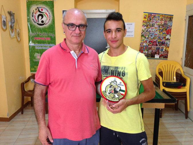 Il vincitore premiato dal presidente Concetto La Torre