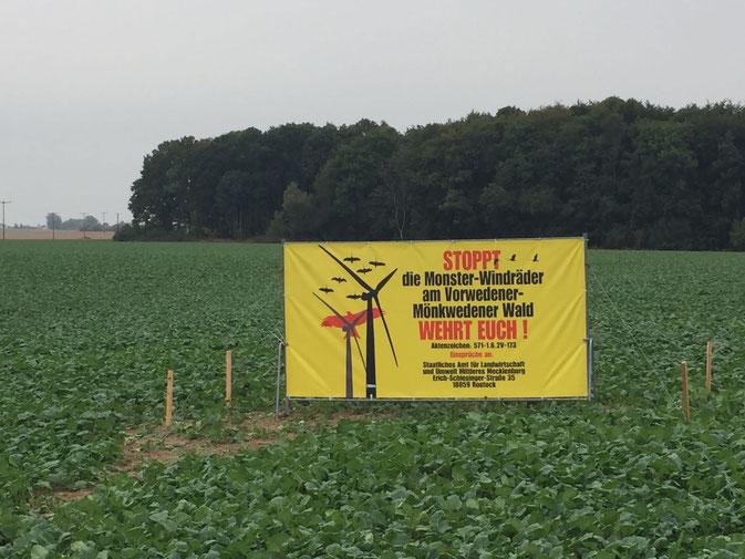 Plakate am Vorwedener-Mönkwedener Wald