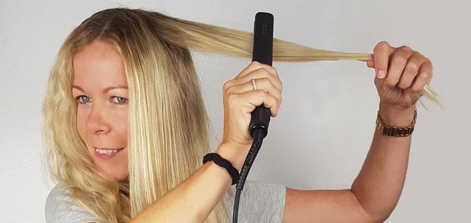Haare werden geglättet