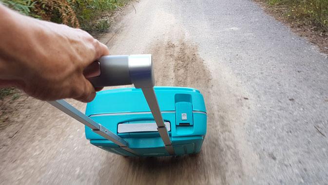 Trolley Koffer Samsonite im Härtetest