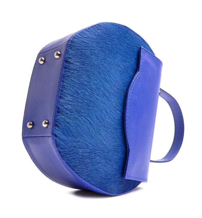 Henkeltasche Ivy in royalblau aus echtem Leder, elegante Trachtentasche, exklusive Dirndltasche  Handgearbeitet. OSTWALD Traditional Craft
