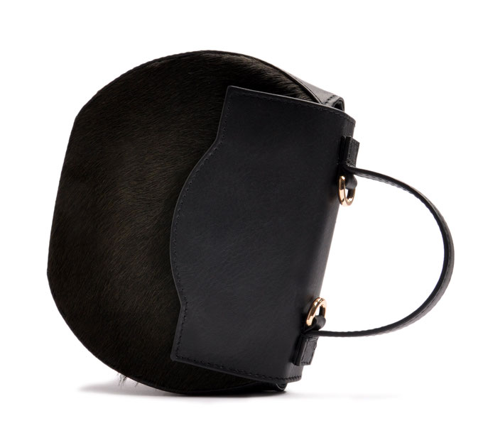 Henkeltasche Ivy in schwarz . edles Leder .  elegante Trachtentasche zum Dirndl, exklusive Dirndltasche  Handgearbeitet. OSTWALD Traditional Craft