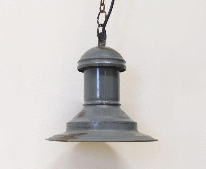 Vintage Fabriklampe Nebelhorn - in Manufaktur produziert.