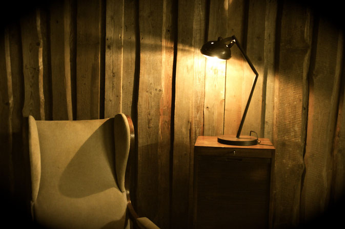 Tischlampe Vintage Carlamp mit antikem Autoscheinwerfer - in Manufaktur produziert.