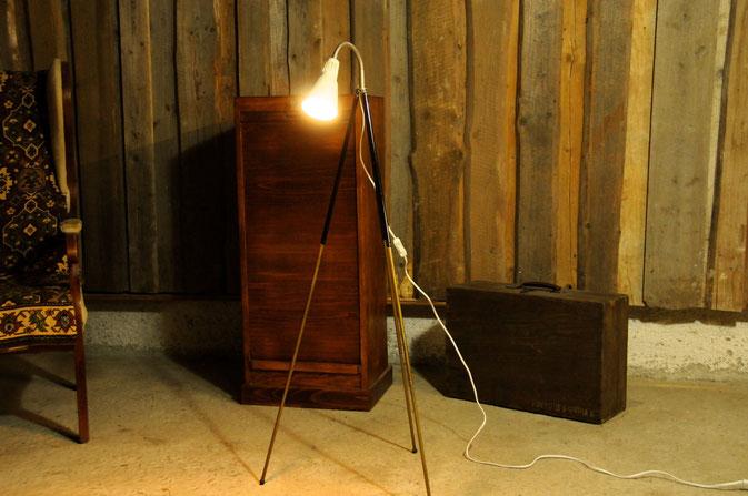Onkel Edison Stehlampe Tripod Architekt beige