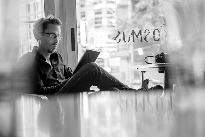 Michael Dirk Scholz at Cafe Kosmos
