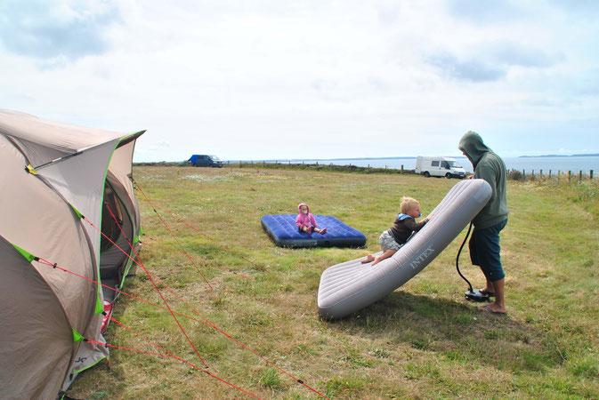 Camping, Familienzelt, Quechua, Luftmatratze, Wales