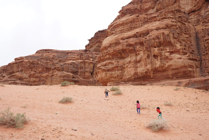 is it ok for women to travel to Jordan