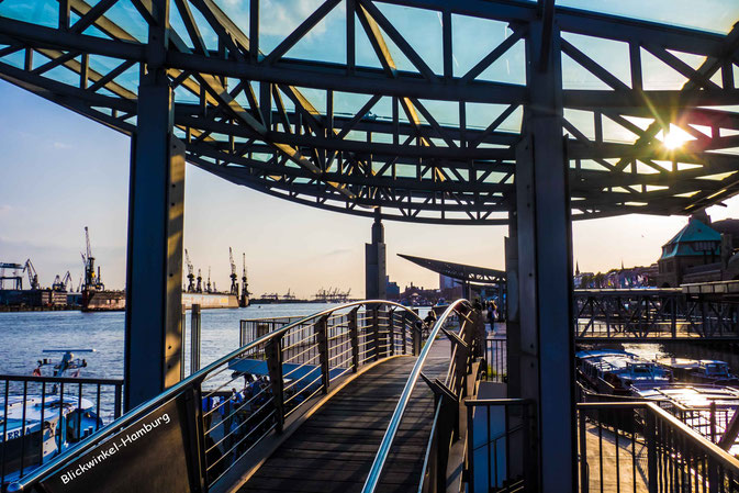 Hamburg bei den Landungsbrücken