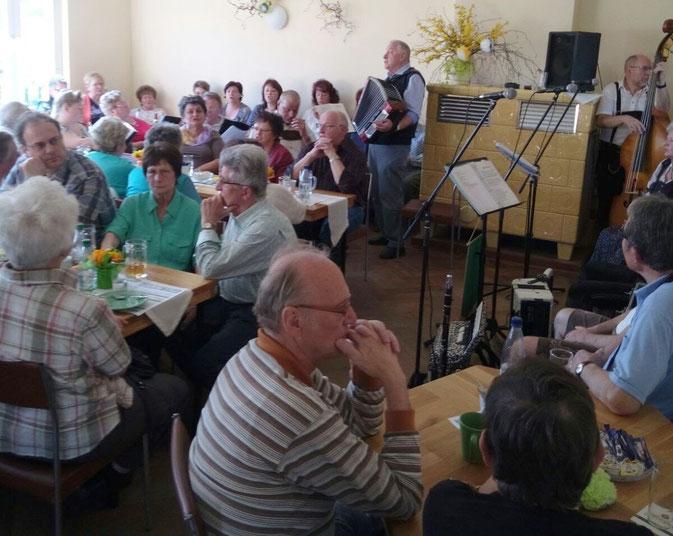 Volles Haus zum 3. Vogtländischen Nachmittag in Gettengrün