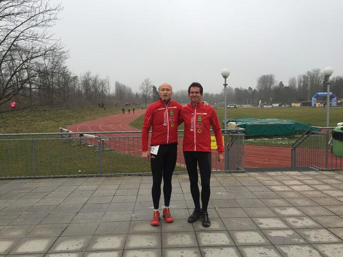 Kalter & feuchter Lauf: Ernst und Leander beim Crosslauf am Unionssportplatz
