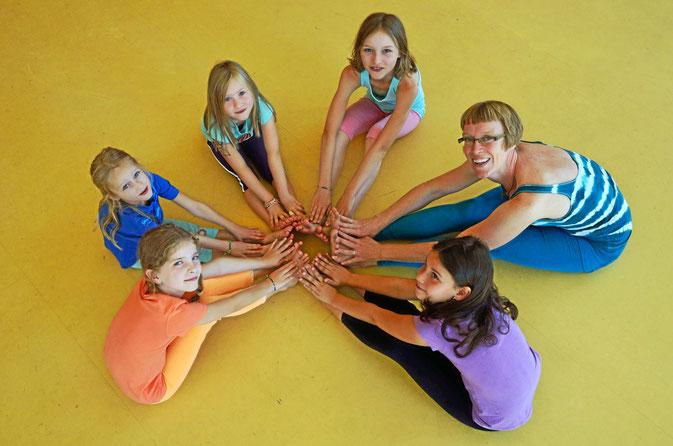 Bild: Yoga Kurse für Kinder in  Friedrichshafen