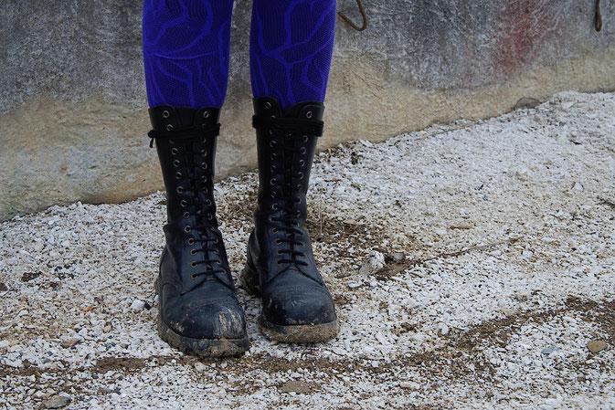 Wochenend-Outfit - Fotos im Steinbruch - Stahlkappenstiefel -  Zebraspider DIY Blog