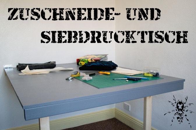 Zuschneide- und Siebdrucktisch zum Klappen selbst bauen - Zebraspider DIY Anti-Fashion Blog