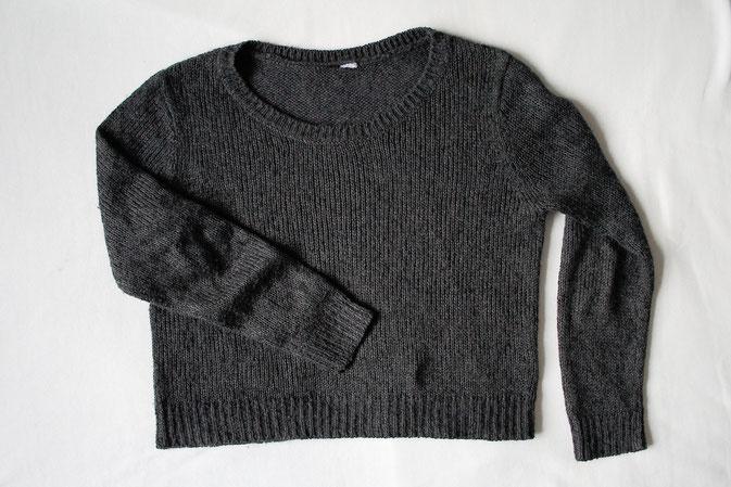 Strickpulli ruinieren mit Laufmaschen und Stil - Pullover vorher - Zebraspider DIY Anti-Fashion Blog