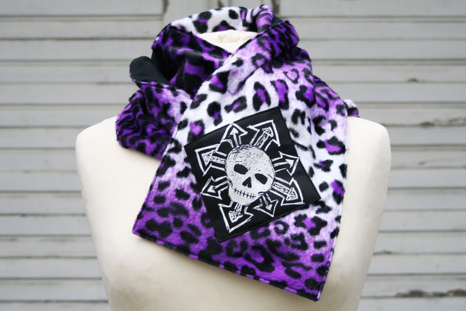 Zebraspider Schal Anleitung Nähen Fell lila Leopard Jersey schwarz Aufnäher