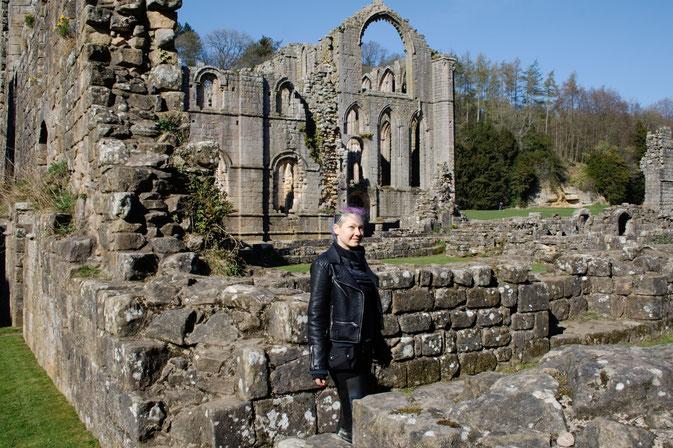 Die Ruinen der Fountains Abbey - Klosterruine - Zebraspider DIY Anti-Fashion Blog