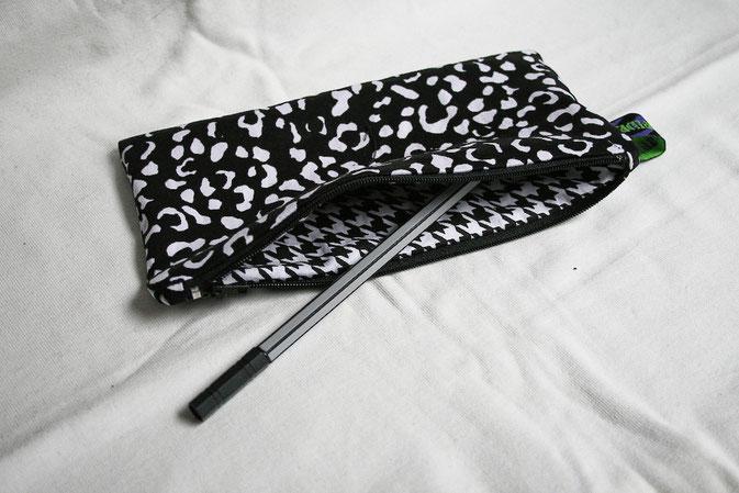 Genähte Geschenke: Mäppchen - Zebraspider