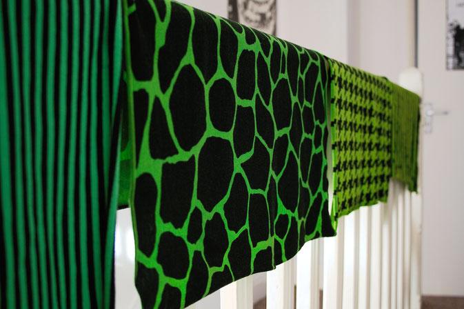 Punk Hot Pants Projekt - Stoffe Grün gefärbt - Zebraspider DIY Blog