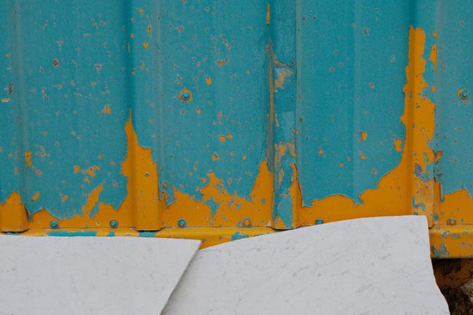 Wochenend-Outfit - Fotos im Steinbruch - abgeplatze Farbe -  Zebraspider DIY Blog