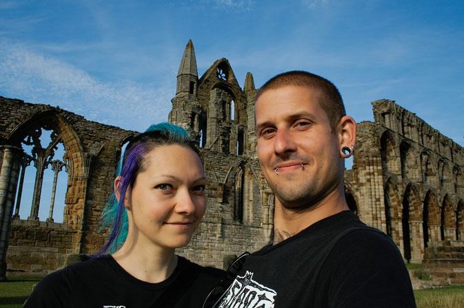 (M)ein Tag am Meer - Whitby Abbey - mein Freund und ich - Zebraspider DIY Blog