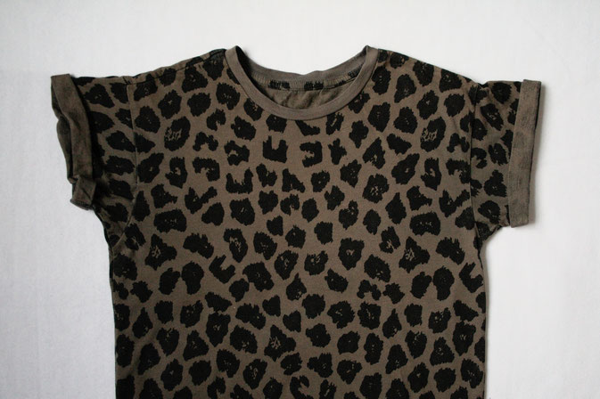 Zweites Leben für den Leopard - T-shirt - Zebraspider DIY Anti-Fashion Blog