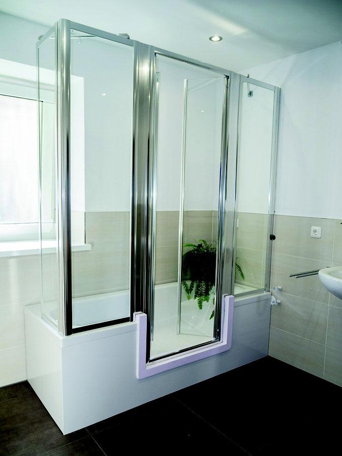 duschbadewanne mit t r und dusche badewanneneinstieg. Black Bedroom Furniture Sets. Home Design Ideas