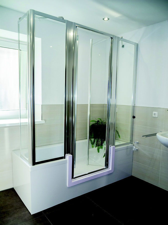 Badewanne mit dusche und einstieg  Einstiegshöhe senken, Sicherheit erhöhen - Bad Teilsanierung mit System.