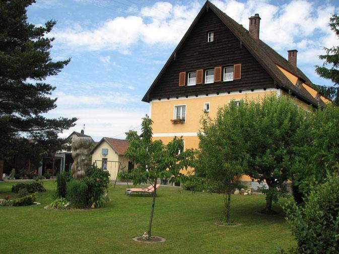 Unser schönes Zollhaus mit großem Garten