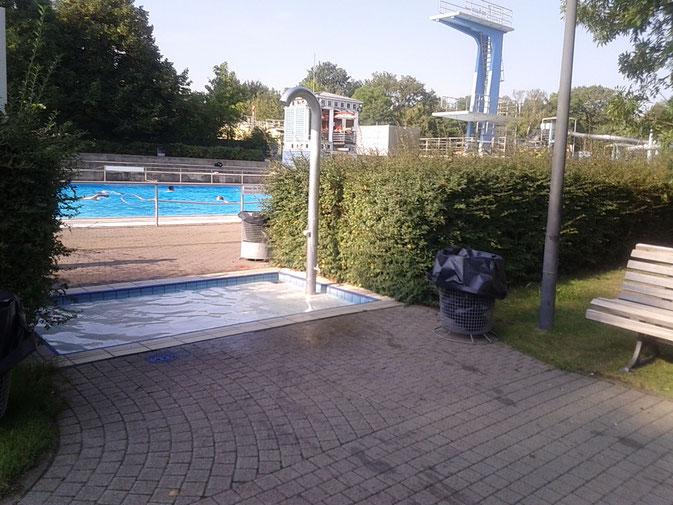 Fußboden Aus Cent Stücken ~ Sommerbad neukölln infos zu schwimmen in berliner bäderbetriebe bädern