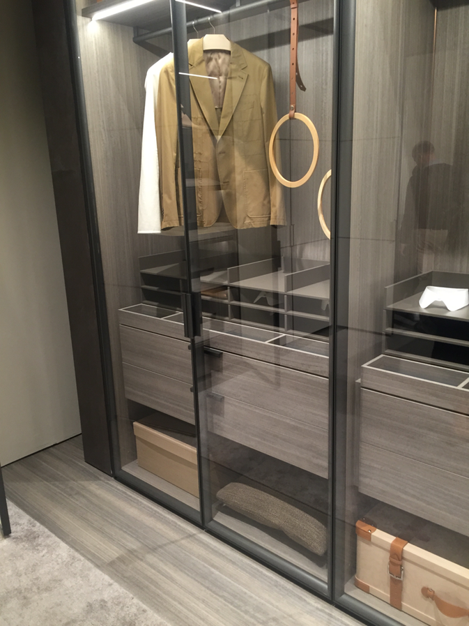 Interior Design Bangkok | Transparent Wardrobe