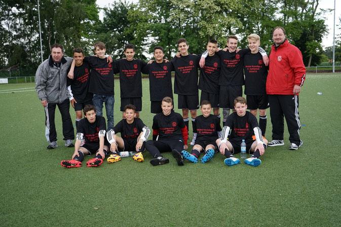 C-Junioren Kreisliga B - Meisterschaftsfinale - Trainer M. Golabek und M. Pizolka stolz mit ihren Jungs!