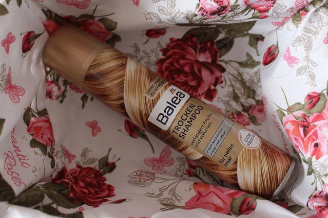 Bild: Balea Trockenshampoo für helles Haar
