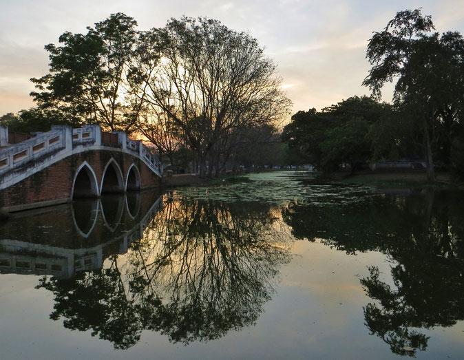 Schöne Parkanlage in Ayutthaya. Uns hat die kleine Stadt, 70 km nördlich von Bangkok, sehr gefallen.