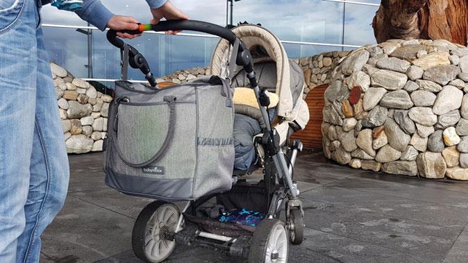 Babymoov Wickeltasche Aufhängung am Kinderwagen