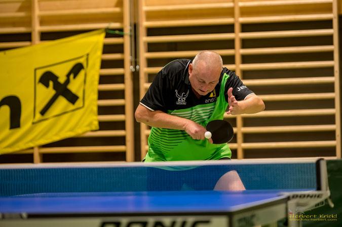 Sierndorfs Superstar Tomas Janci hatte gegen Kapfenberg seine Gegner im Griff. Foto: Krickl