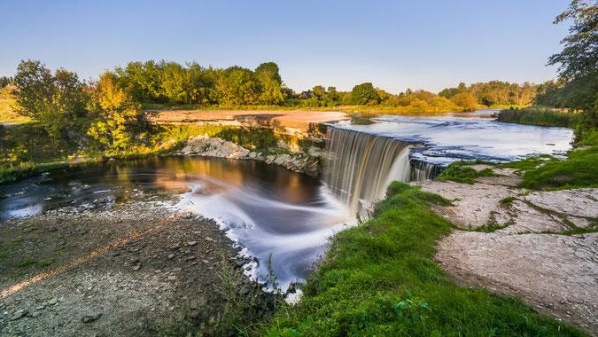 Der Wasserfall Jägala, östlich der Hauptstadt Tallinn (Klicken für Vollbildansicht)