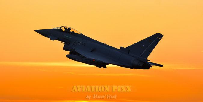 Start im Sonnenuntergang von Lechfeld: Eurofighter des Taktischen Luftwaffengeschwader 74