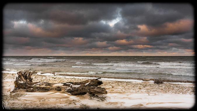 Stürmischer Wintertag an der Ostsee