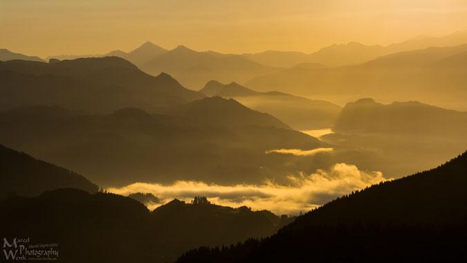 Golden Morning - Sonnenaufgang vom Sudelfeld aus gesehen...ein Traum! Früh aufstehen lohnt sich!!! (Klicken zum vergrößern)