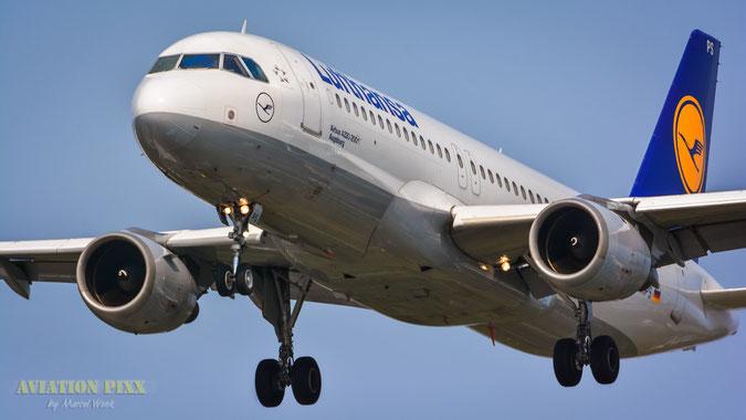 Lufthansa Airbus A320-211 (D-AIPS) im Final auf die Landebahn Nordwest